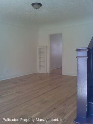 1 Bedroom 1 Bathroom Apartment for rent at 2031 N Watts St in Portland, OR