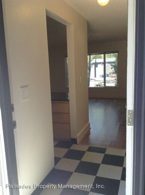 1 Bedroom 1 Bathroom Apartment for rent at 4050 Se Gladstone St in Portland, OR