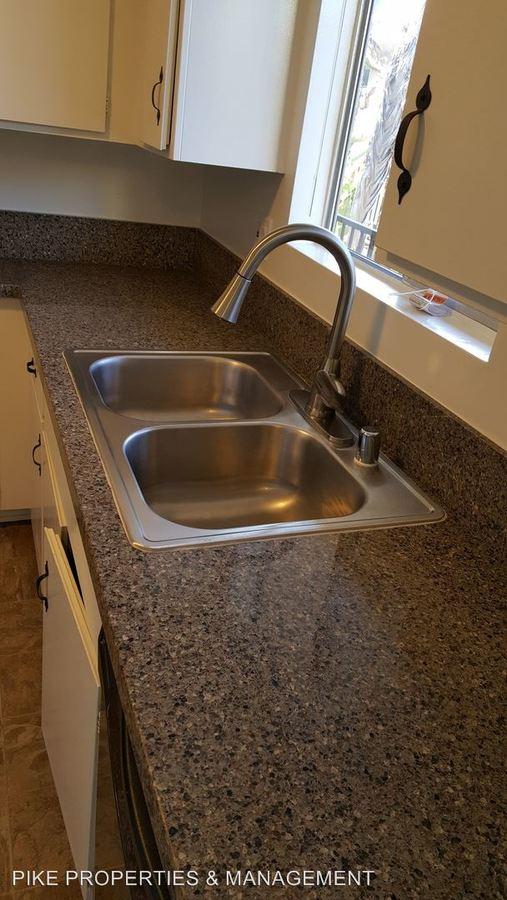 3 Bedrooms 2 Bathrooms Apartment for rent at 504 Esplanade in Redondo Beach, CA