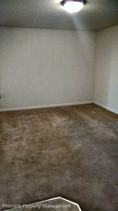 2 Bedrooms 1 Bathroom Apartment for rent at 68 N Jefferson in Eugene, OR
