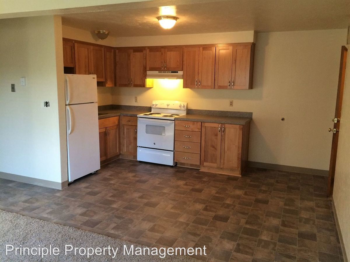 3 Bedrooms 1 Bathroom Apartment for rent at 355 Sw 10th Street in Corvallis, OR