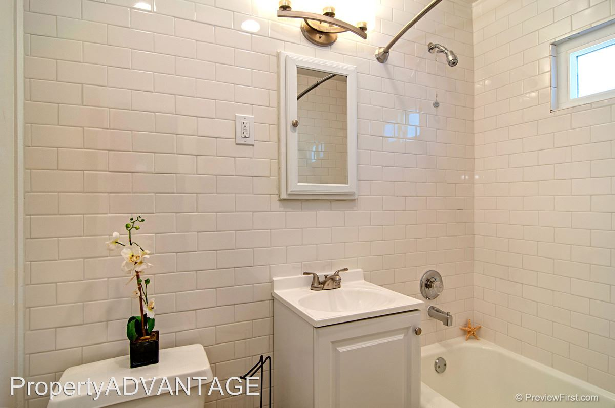 1 Bedroom 1 Bathroom Apartment for rent at 4505-4511 Dawson/5252-5258 Monroe in San Diego, CA