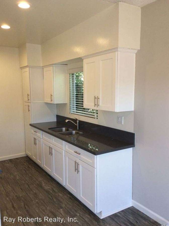 1 Bedroom 1 Bathroom Apartment for rent at 1411 - 1421 College View Dr in Monterey Park, CA