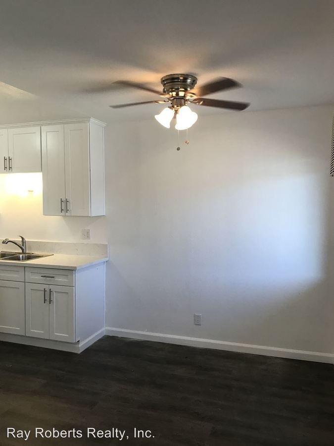 1 Bedroom 1 Bathroom Apartment for rent at 15735 Blaine Ave in Bellflower, CA