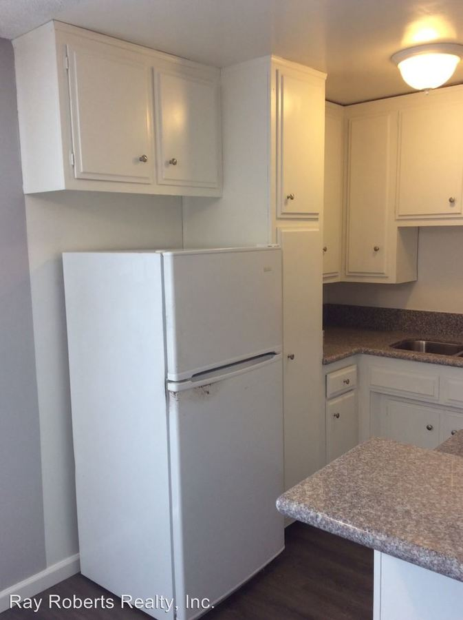 1 Bedroom 1 Bathroom Apartment for rent at 315 Gladys Ave in Long Beach, CA