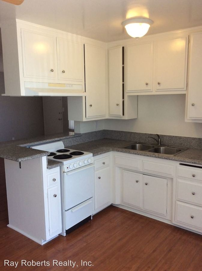2 Bedrooms 1 Bathroom Apartment for rent at 315 Gladys Ave in Long Beach, CA