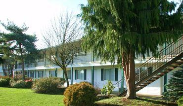 Similar Apartment at Hartzog 9205 E Burnside Bristol 105 Ne 92nd Place