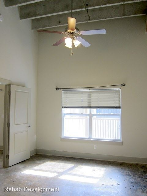 2 Bedrooms 2 Bathrooms Apartment for rent at 95 S. Houston St. in Hawkinsville, GA
