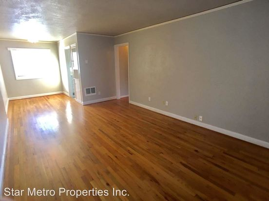 1 Bedroom 1 Bathroom Apartment for rent at 1910 20 Ne Davis in Portland, OR