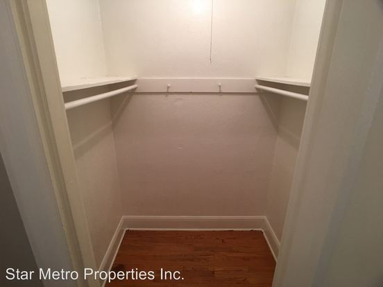Studio 1 Bathroom Apartment for rent at 1611 Se Belmont in Portland, OR