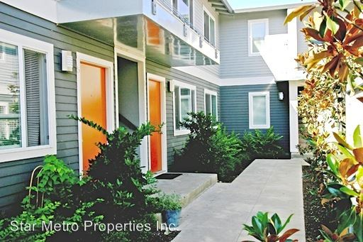 2 Bedrooms 1 Bathroom Apartment for rent at 2800 Se Gladstone St in Portland, OR