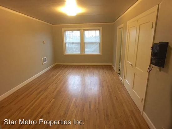 Studio 1 Bathroom Apartment for rent at 1410 Se Belmont in Portland, OR