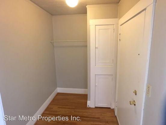 1 Bedroom 1 Bathroom Apartment for rent at 2500-2504 Ne Hoyt in Portland, OR