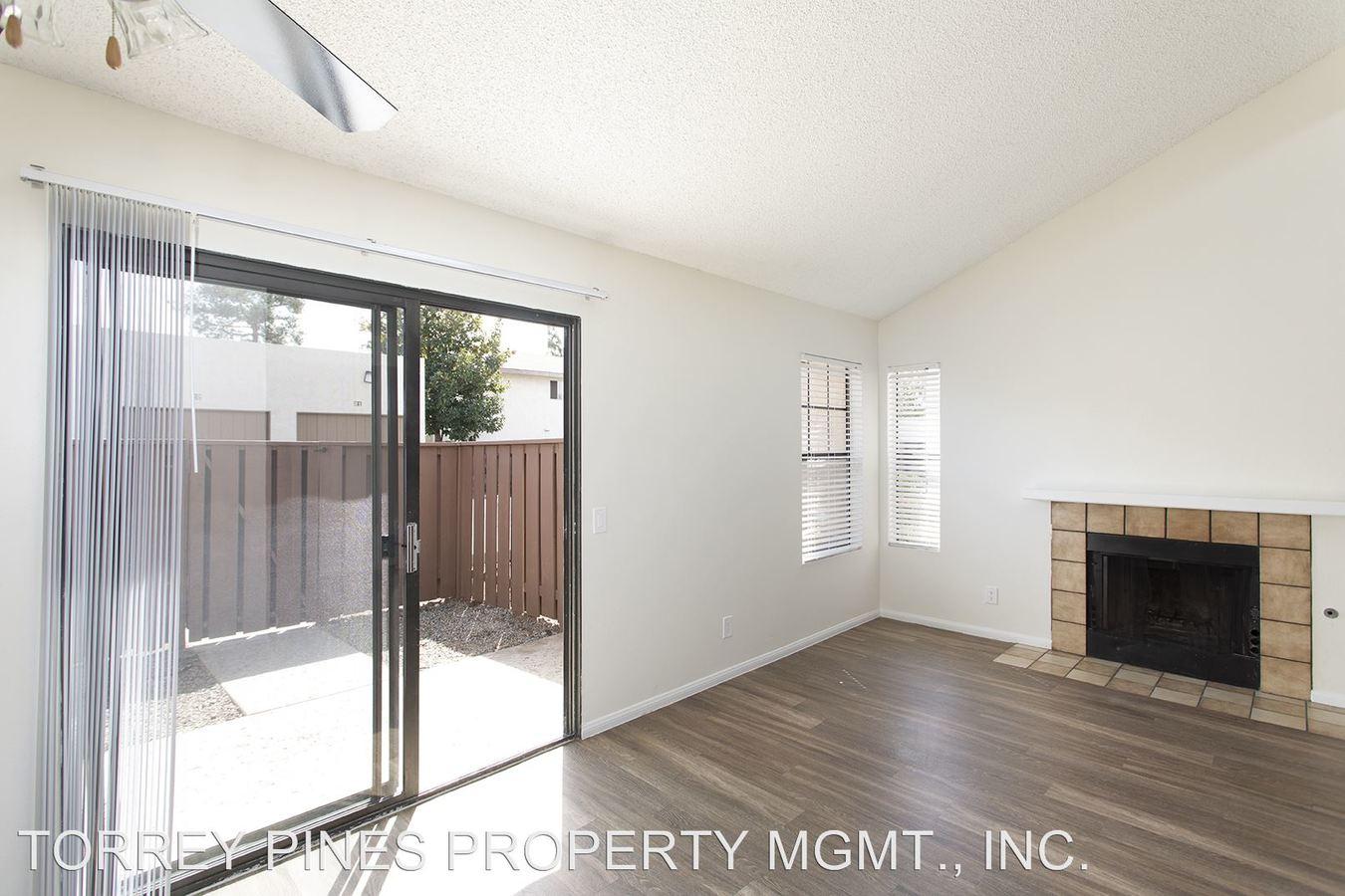 2 Bedrooms 1 Bathroom Apartment for rent at 1141 N. Escondido Boulevard in Escondido, CA