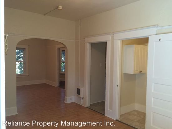 1 Bedroom 1 Bathroom Apartment for rent at 1830 Nw 24th Place in Portland, OR