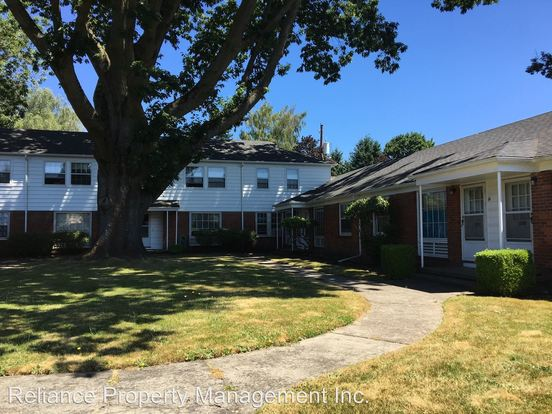 1 Bedroom 1 Bathroom Apartment for rent at 3904 4014 Se Cesar E. Chavez Blvd. in Portland, OR