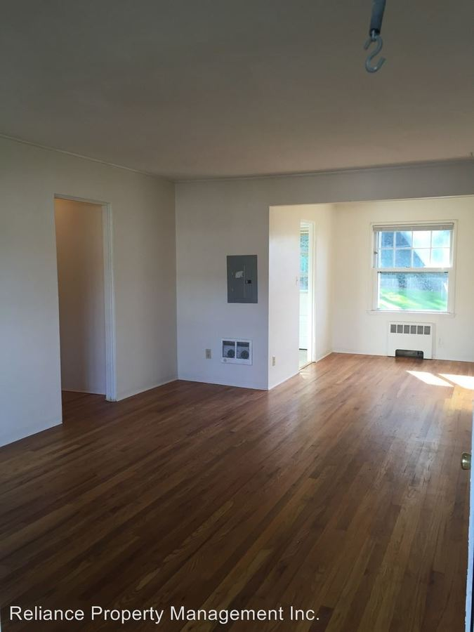 1 Bedroom 1 Bathroom Apartment for rent at 3904-4014 Se Cesar E. Chavez Blvd. in Portland, OR
