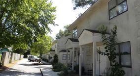 Similar Apartment at 4914 Franklin Ave.