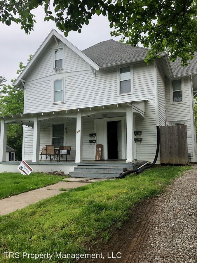 6 Bedrooms 3 Bathrooms Apartment for rent at 519 High St in Columbia, MO