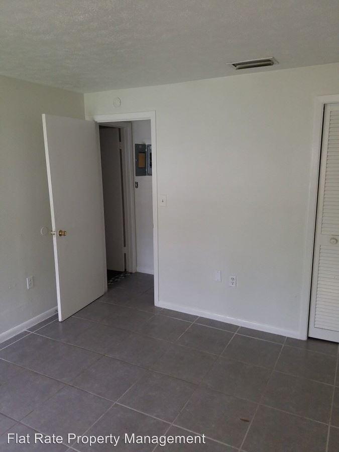 1 Bedroom 1 Bathroom Apartment for rent at 202 Mason Street in Brandon, FL
