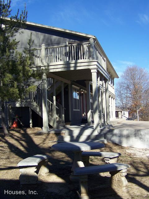 1 Bedroom 1 Bathroom Apartment for rent at 711 W. Douglas Street in Fayetteville, AR
