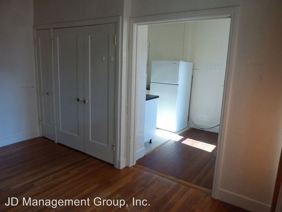 Studio 1 Bathroom Apartment for rent at 2555 Virginia Street in Berkeley, CA