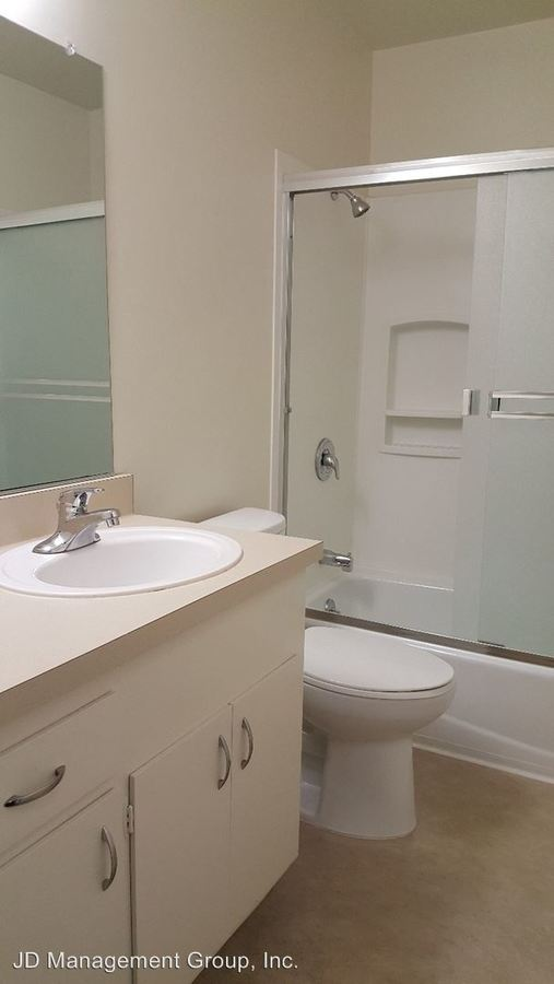 2 Bedrooms 2 Bathrooms Apartment for rent at 2819 Derby in Berkeley, CA