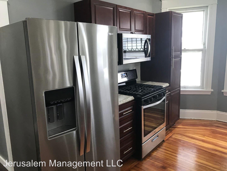 Apartments Near UAlbany 219 -221 Quail Street for SUNY University at Albany Students in Albany, NY