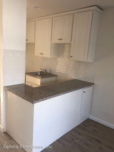 1 Bedroom 1 Bathroom Apartment for rent at 4622 La Mirada Ave in Los Angeles, CA