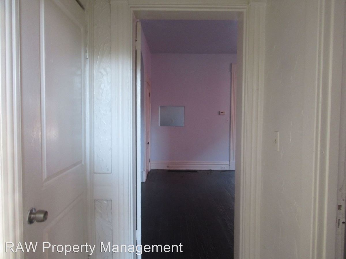2 Bedrooms 1 Bathroom Apartment for rent at 1915 Hewitt Ave. in Cincinnati, OH