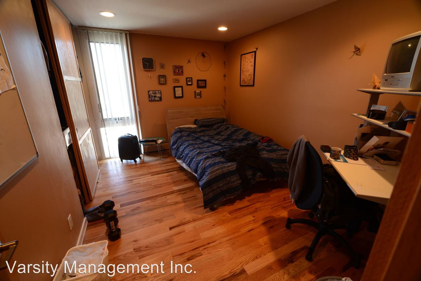 2 Bedrooms 1 Bathroom Apartment for rent at 1015 W. Huron in Ann Arbor, MI