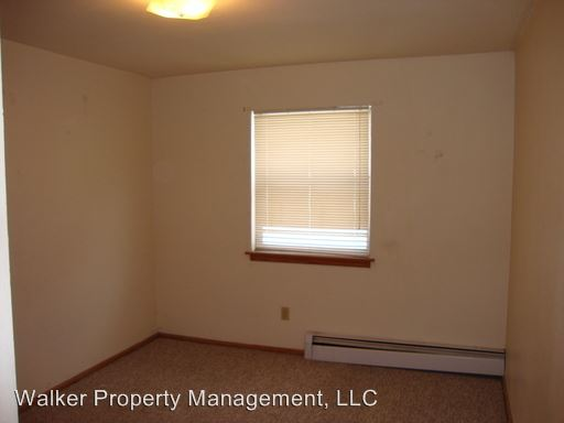 2 Bedrooms 1 Bathroom Apartment for rent at 830 Harding St. in Janesville WI & 830 Harding St Janesville WI Apartment for Rent