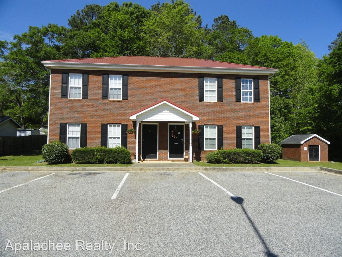 2 Bedrooms 1 Bathroom Apartment for rent at 160 Second Street #1-10 in Winder, GA