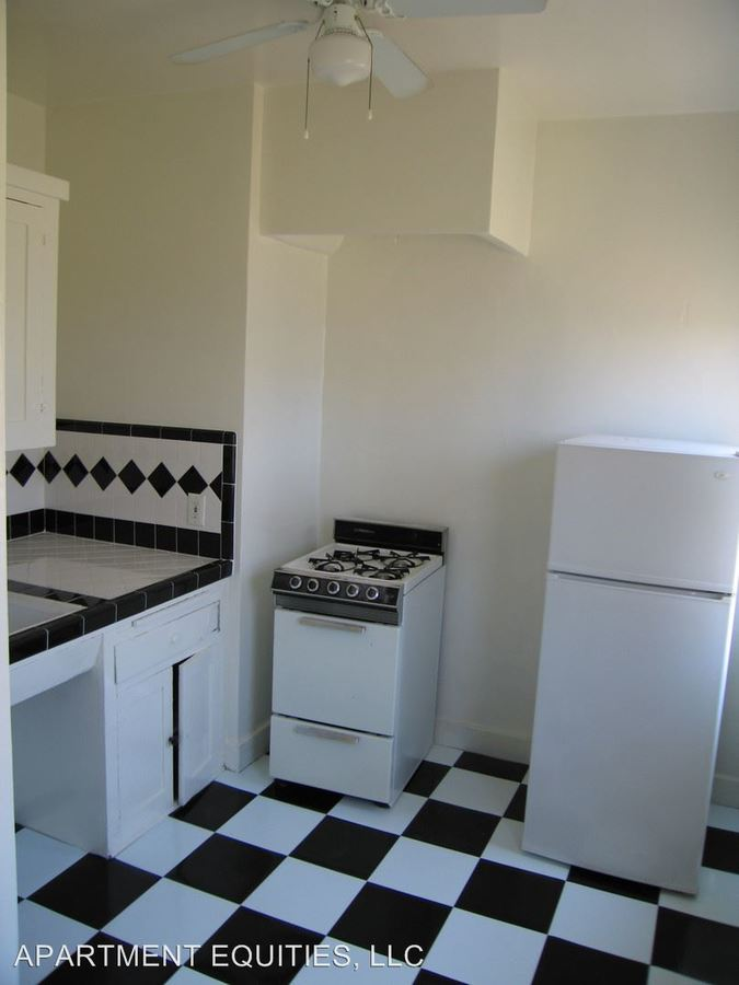 Studio 1 Bathroom Apartment for rent at 1930 Whitley Ave. in Los Angeles, CA