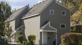 Similar Apartment at 2098, 2100 Como Ave