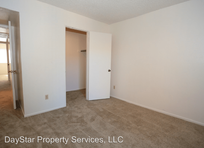 2 Bedrooms 2 Bathrooms Apartment for rent at 5350 E Taylor St in Phoenix, AZ