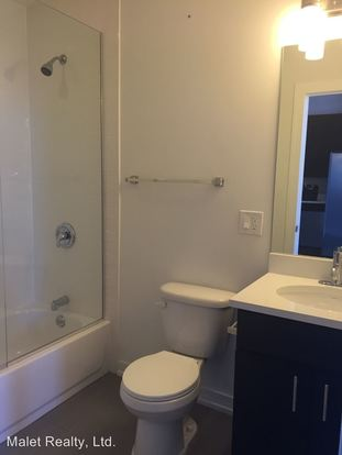 2 Bedrooms 2 Bathrooms Apartment for rent at 1308 10 North Milwaukee Avenue in Chicago, IL