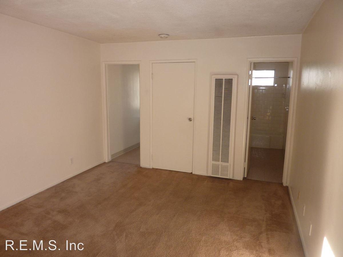 Studio 1 Bathroom Apartment for rent at 12319 Manor Drive in Hawthorne, CA