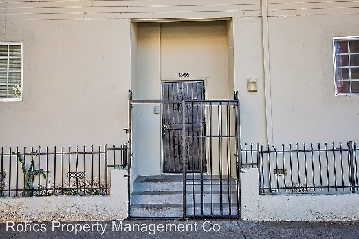 Studio 1 Bathroom Apartment for rent at 1866 West 11th Street in Los Angeles, CA