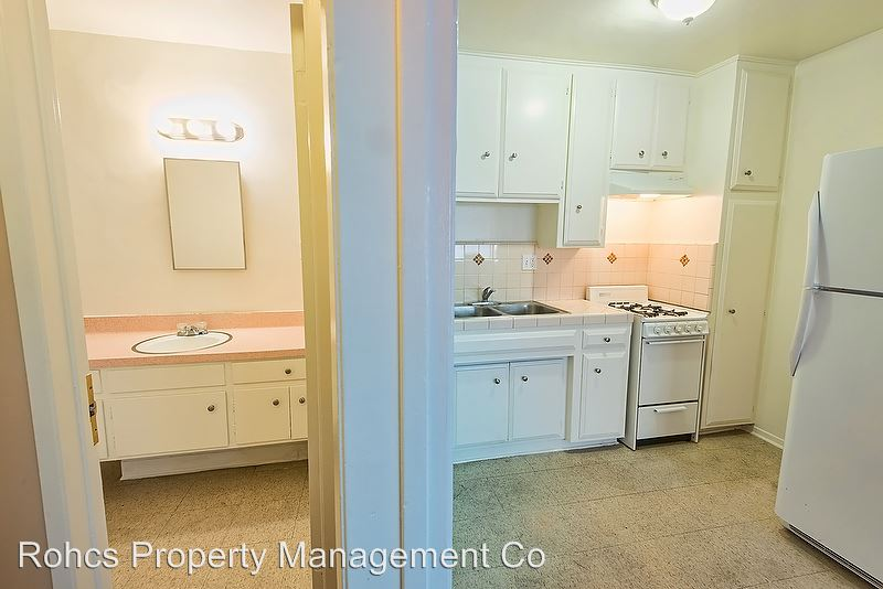 1 Bedroom 1 Bathroom Apartment for rent at 946 S. Carondelet Street in Los Angeles, CA