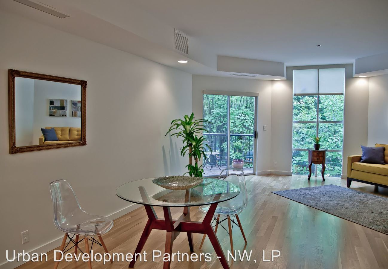 2 Bedrooms 1 Bathroom Apartment for rent at 2285 Nw Flanders St in Portland, OR