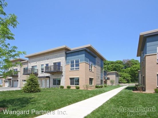 2 Bedrooms 2 Bathrooms Apartment for rent at 1223 N. 62nd Street in Wauwatosa, WI