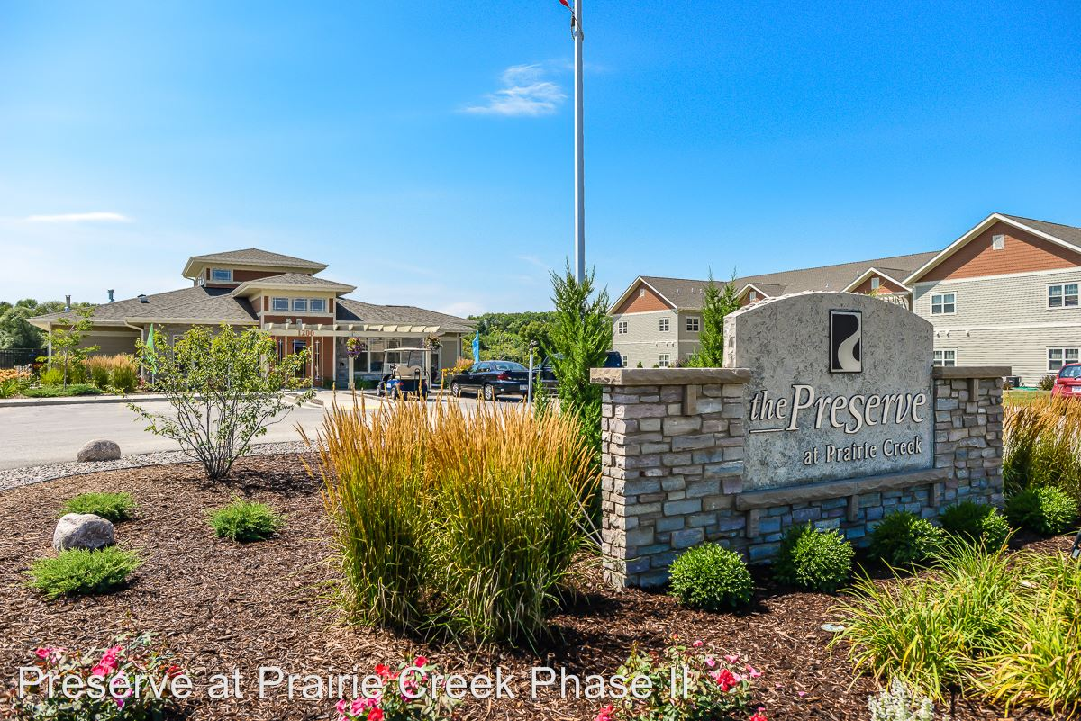1 Bedroom 1 Bathroom Apartment for rent at 1245 Prairie Creek Blvd in Oconomowoc, WI