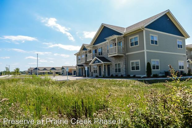 1 Bedroom 1 Bathroom Apartment for rent at 1250 Prairie Creek Blvd in Oconomowoc, WI