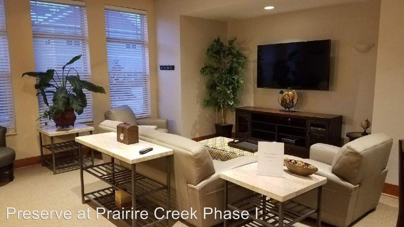1 Bedroom 1 Bathroom Apartment for rent at 1215 Prairie Creek Blvd in Oconomowoc, WI