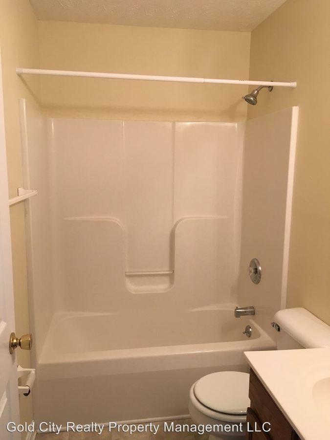 2 Bedrooms 1 Bathroom Apartment for rent at 100 - 1200 Wellington Way in Elizabethtown, KY