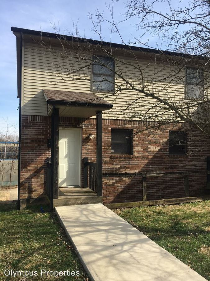 3 Bedrooms 2 Bathrooms Apartment for rent at 1301 S Madison St in Bloomington, IN