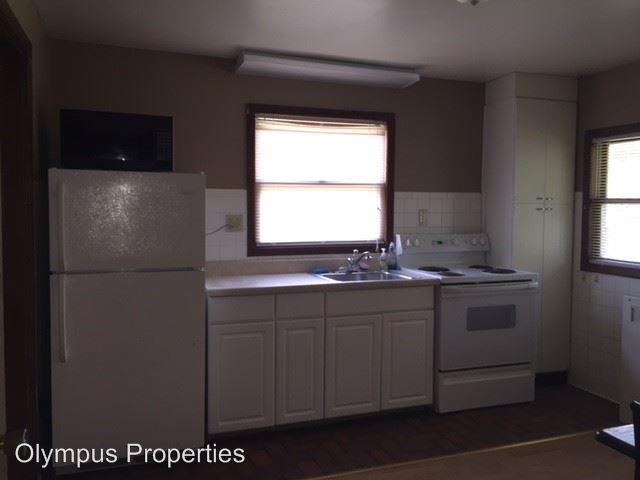 Studio 1 Bathroom Apartment for rent at 127 S Clark St in Bloomington, IN