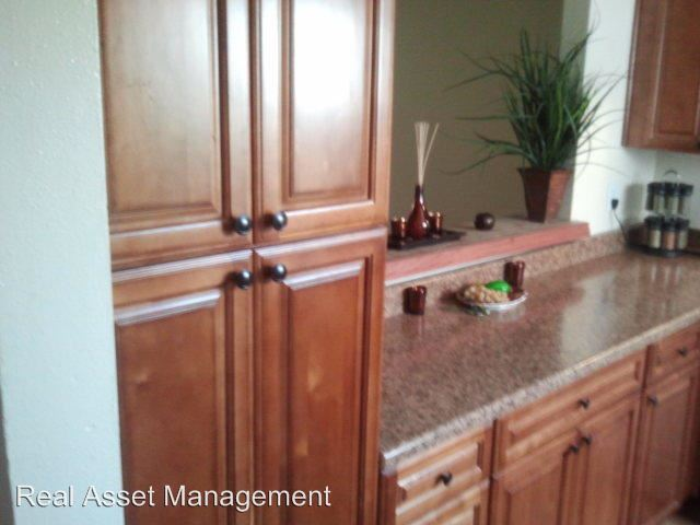 3 Bedrooms 2 Bathrooms Apartment for rent at 2700 South Azusa Avenue in West Covina, CA