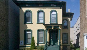 Similar Apartment at 1309 N Cass Street
